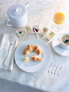 Airline Premium-class Breakfast Solutions